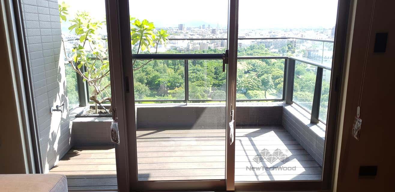 綠建材-塑木-胡桃木色-不鏽鋼骨架-陽台-禾舍景觀-