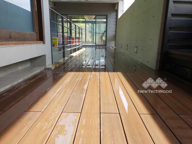 綠建材-塑木-胡桃木色-清水模-耐酸鹼-戶外-露臺-宜蘭