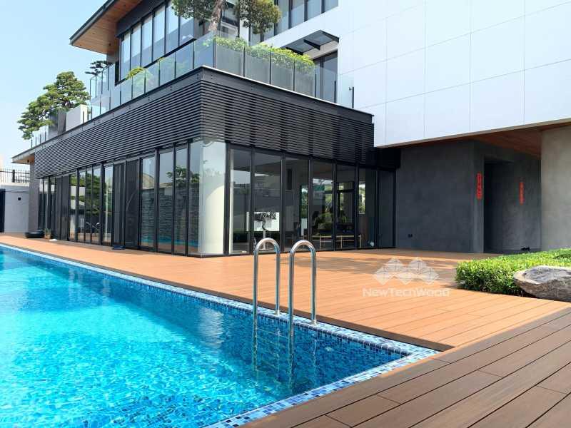 游泳池平台