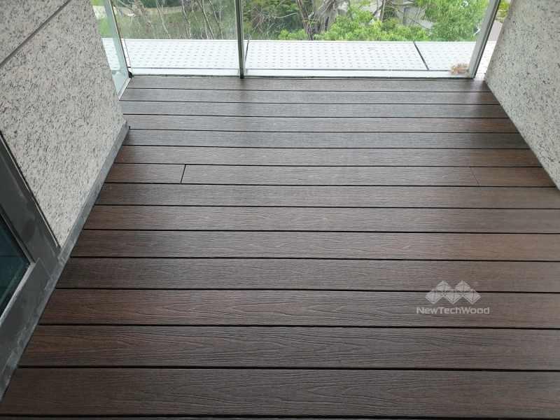 深陽台空間-胡桃木色美新塑木